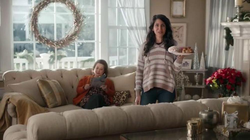 USPS TV Commercial, 'Pan dulce'