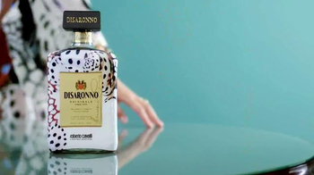 Disaronno Roberto Cavalli Limited Edition TV Spot, 'Disaronno Wears Cavalli - Thumbnail 7