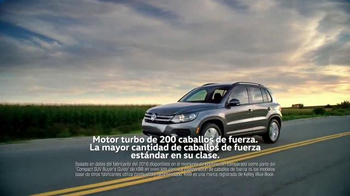 Volkswagen Evento Sign Then Drive TV Spot, 'Tememporada festiva' [Spanish] - Thumbnail 3