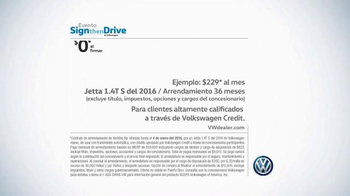 Volkswagen Evento Sign Then Drive TV Spot, 'Tememporada festiva' [Spanish] - Thumbnail 8