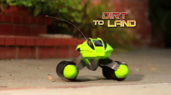 Hot Wheels RC Terrain Twister TV Spot, 'Dirt to Land' - Thumbnail 5