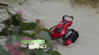 Hot Wheels RC Terrain Twister TV Spot, 'Dirt to Land' - Thumbnail 6