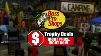 Bass Pro Shops Trophy Deals TV Spot, 'Fall Flannel Fest' - Thumbnail 9