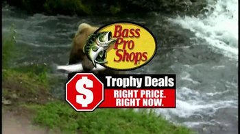 Bass Pro Shops Trophy Deals TV Spot, 'Fall Flannel Fest' - Thumbnail 4
