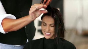 Revlon Hair Care TV Spot, 'Laura' [Spanish] - Thumbnail 7
