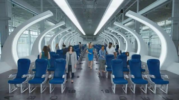 Capital One Venture TV Spot, 'Airline Seat Surprise' Feat. Jennifer Garner - Thumbnail 1