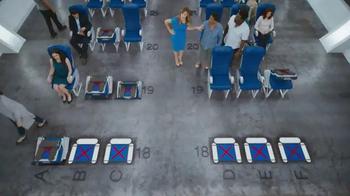 Capital One Venture TV Spot, 'Airline Seat Surprise' Feat. Jennifer Garner - Thumbnail 3