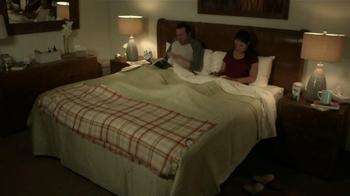 Mucinex DM TV Spot, 'Tos de noche' [Spanish] - Thumbnail 1