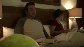 Mucinex DM TV Spot, 'Tos de noche' [Spanish] - Thumbnail 3