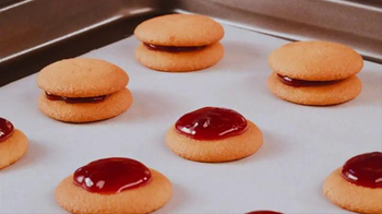 Nilla Wafers TV Spot, 'Nilla Holiday Cake Bites' - Thumbnail 4