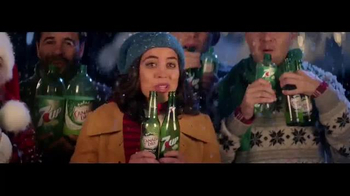 7UP and Canada Dry TV Spot, 'Carolers' - Thumbnail 3