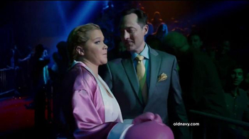 Old Navy TV Spot, 'Fight Night: 50 Percent Off' Featuring Amy Schumer - Thumbnail 2