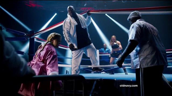 Old Navy TV Spot, 'Fight Night: 50 Percent Off' Featuring Amy Schumer - Thumbnail 3