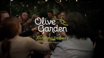 Olive Garden Catering Delivery TV Spot, 'Come Together for the Holidays' - Thumbnail 10
