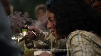 Olive Garden Catering Delivery TV Spot, 'Come Together for the Holidays' - Thumbnail 6