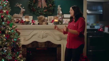 Big Lots TV Spot, 'Thanksgiving Day: Recliners and Console Fireplaces' - Thumbnail 3