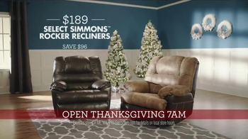 Big Lots TV Spot, 'Thanksgiving Day: Recliners and Console Fireplaces' - Thumbnail 4