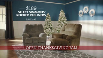 Big Lots TV Spot, 'Thanksgiving Day: Recliners and Console Fireplaces' - Thumbnail 5