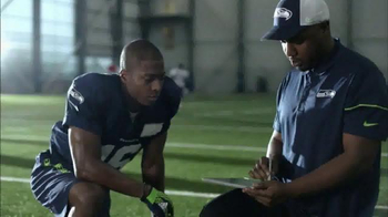 Microsoft Surface TV Spot, 'NFL Sidelines: Ravens vs. Cowboys' - Thumbnail 9