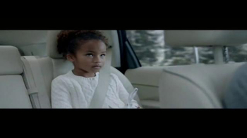 2016 The Power of Infiniti TV Spot, 'New Winter Tradition' - Thumbnail 4