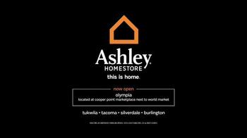 Ashley HomeStore Black Friday Sale TV Spot, 'Beat the Clock' - Thumbnail 10