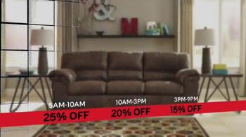 Ashley HomeStore Black Friday Sale TV Spot, 'Beat the Clock' - Thumbnail 7