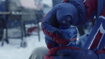 Bud Light TV Spot, 'Gloves' - Thumbnail 3