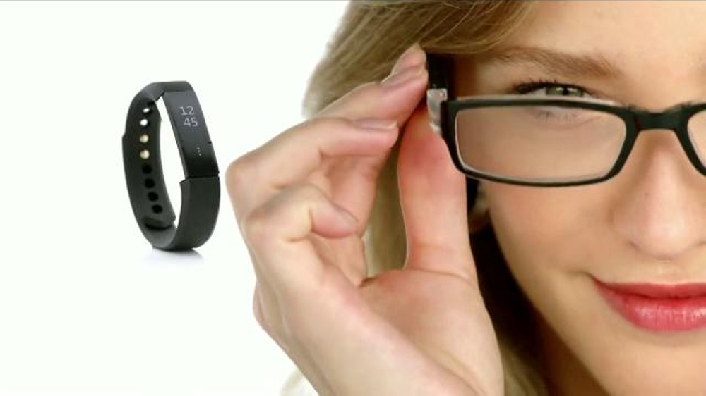 Macy's Cyber Week TV Commercial, 'Ropa para ??l y ella'