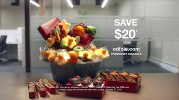 Edible Arrangements TV Spot, 'Gift Basket' - Thumbnail 5