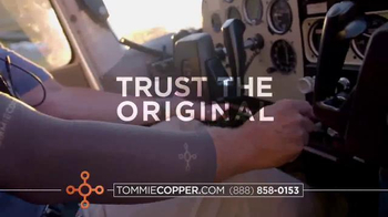 Tommie Copper Black Friday and Cyber Week TV Spot, 'Wearable Wellness' - Thumbnail 7
