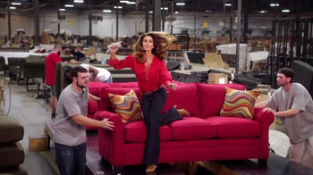 Rooms to Go Cindy Crawford Home TV Spot, 'Factory' Featuring Cindy Crawford - Thumbnail 4