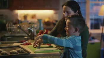 Pillsbury Crescents TV Spot, 'Holidays: Pizza Sticks' - Thumbnail 3