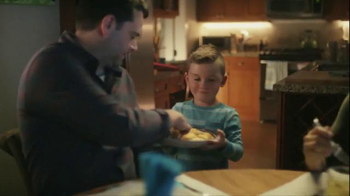 Pillsbury Crescents TV Spot, 'Holidays: Pizza Sticks' - Thumbnail 6