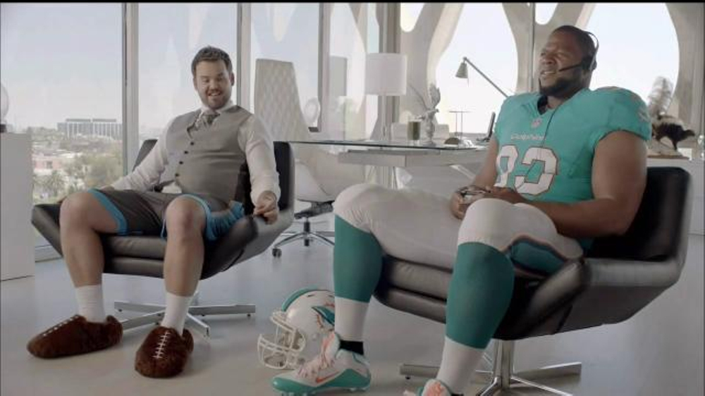 Xbox One S TV Commercial, 'Aunt Sue: NFL Stunning Performance' Ft. Ndamukong Suh