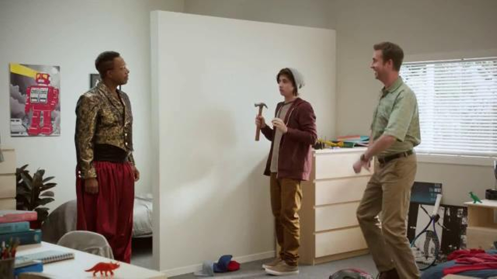 Command TV Commercial, 'Hammer Goes to College' Featuring MC Hammer