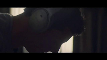 Bose QuietComfort 35 TV Spot, 'Listen to the Music' Featuring Rory McIlroy - Thumbnail 3