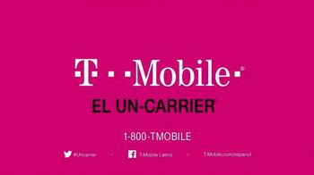 T-Mobile TV Spot, 'Nadie más te da tanto' [Spanish] - Thumbnail 10