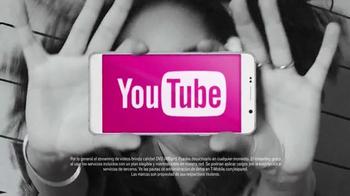 T-Mobile TV Spot, 'Nadie más te da tanto' [Spanish] - Thumbnail 3