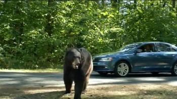Volkswagen TV Spot, 'Bear' [Spanish] - Thumbnail 5