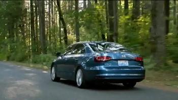 Volkswagen TV Spot, 'Bear' [Spanish] - Thumbnail 6