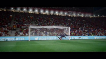 FIFA 17 TV Spot, 'Make Your Mark' Feat. Anthony Martial, James Rodríguez - Thumbnail 5