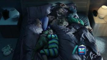 Vicks VapoRub TV Spot, 'Family Awake' - Thumbnail 9