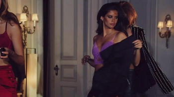 Victoria's Secret Sexy Little Things TV Spot, 'On the Scene' - Thumbnail 2