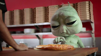 Pizza Hut Grilled Cheese Stuffed Crust Pizza TV Spot, 'Homesick Alien' - Thumbnail 7
