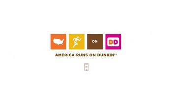Dunkin' Donuts Salted Caramel Macchiato TV Spot, 'Cozy Up for Fall' - Thumbnail 6