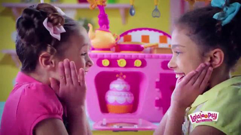 Lalaloopsy Magic Kitchen TV Spot, 'Baking Magic' - Thumbnail 3