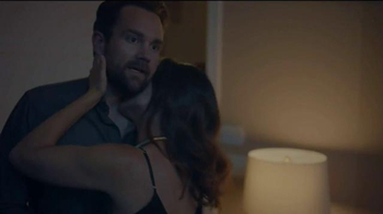 K-Y Duration Spray for Men TV Spot, 'Date Night: How to Last Longer in Bed' - Thumbnail 4