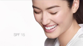 Clinique Superbalanced Silk Makeup TV Spot, 'Balance It All' - Thumbnail 4
