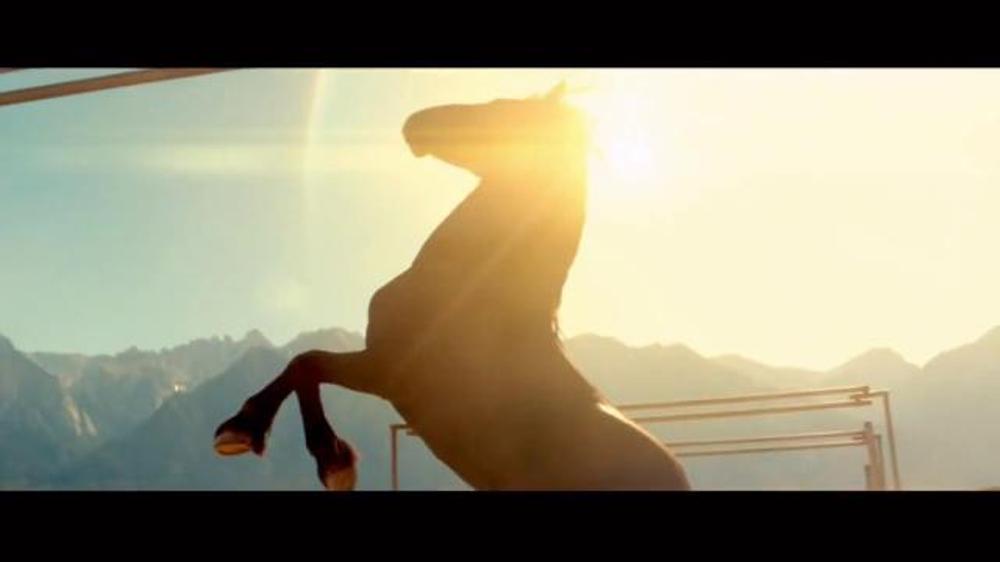 2017 Nissan Titan TV Commercial, 'Day Shift: Cash Back'