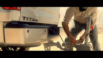2017 Nissan Titan TV Spot, 'Day Shift: Cash Back' - Thumbnail 3